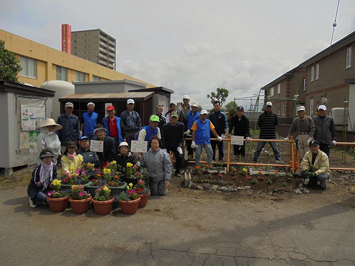 【春日町3丁目町内会】町内会花壇の花植えや町内会勉強会を行いました
